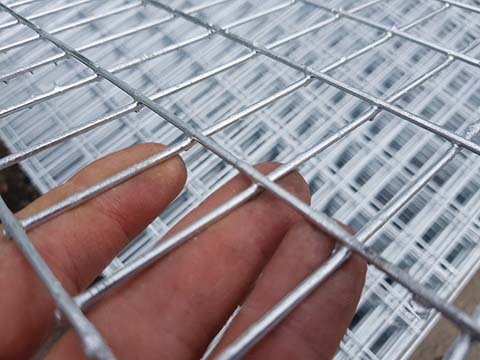 Difference Between Welded and Woven Wire Mesh